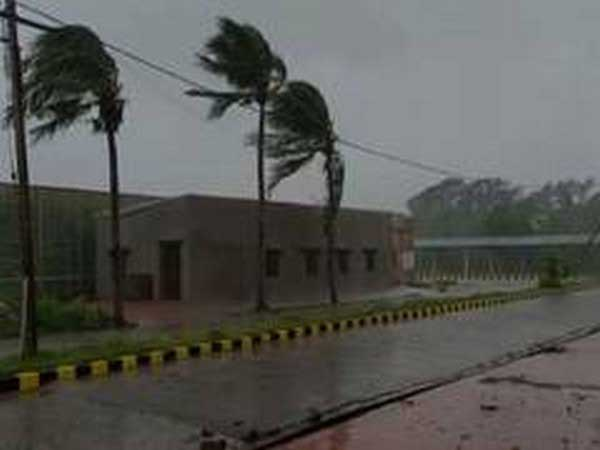 cyclone-alerts-imphan-cyclone-updates.jpg