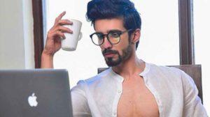 Karron Singh Dhinggra- men fashion instagram influencer