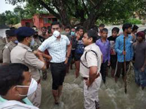 Assam and Bihar floods causing major causes to the people, amid covid pandemic 5